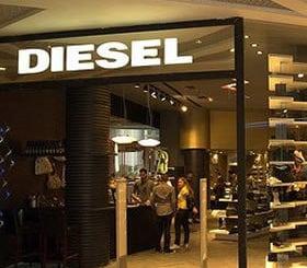 8dc72f0a5a Diesel inaugura mais duas lojas no país