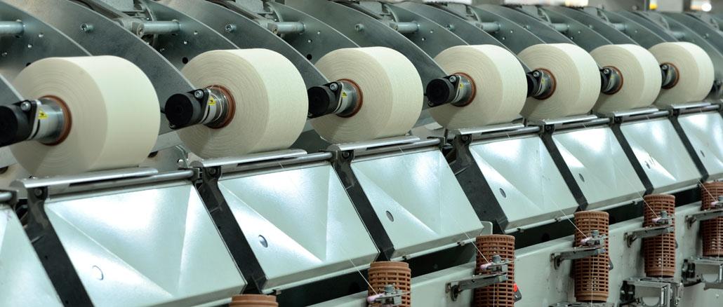 Indústria produz mais em outubro