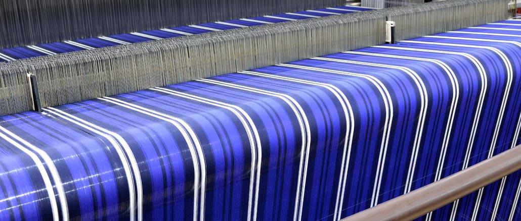 Indústria produz mais roupas em novembro