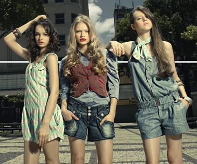 1e17e3ecd6b45 Ao buscar inspiração em grandes centros urbanos, a coleção desenhada por  Ayres Jr. e Anastácio Jr trabalha cores sóbrias para o jeans, trabalhado  com ...