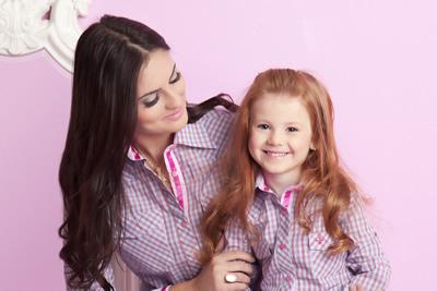 Outra providência foi ampliar a linha adulta com a inclusão de oito modelos  de pólos femininas. Considerando as variantes de cor 513df7110466b